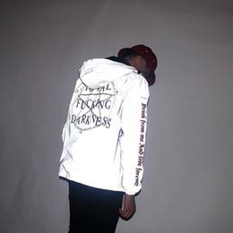 2019 ropa religiosa 3M Chaquetas Reflexivas de los hombres Estrella de la Oscuridad Religioso Con Capucha Cazadora Gótico Vintage Hip Hop Abrigos impermeable Hombres Ropa rebajas ropa religiosa