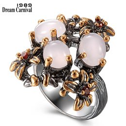 2019 gioielli in pietra nera DreamCarnival 1989 New Gothic Ring per le donne Anniversario di matrimonio Rosa Opal Stone Black Gold Flower Fashion Jewelry WA11690 gioielli in pietra nera economici