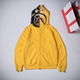 Hoodie con cappuccio giallo online-BAPE Designer Fashion Uomo Donna Designer Hoodies Jacket Fashion Brand Mens Capispalla stampa squalo con cappuccio di alta qualità Giallo