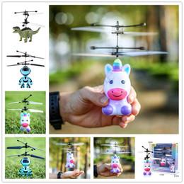 3d infravermelho on-line-LED RC Voador brinquedos eletrônicos 3D Unicorn Dinosaur Robot helicóptero Crianças infravermelho indução Aircraft Remoto presentes dos desenhos animados Controle Brinquedos E1304