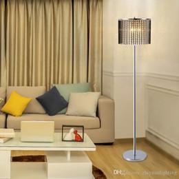 2019 lâmpadas de chão para piano Personalidade criativa levou lâmpada de assoalho de cristal moderno e minimalista criativo levou chão Luz para sala de estar quarto vertical longo pólo lâmpada de assoalho
