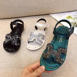 Sandalo delle bambine online-Ragazze principessa scarpe 2019 estate nuovi sandali morbidi punta inferiore moda bambina bambini scarpe da spiaggia bambino