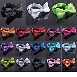 Clásico Niños Bowtie Boy Gril Bebé Niños Pajarita Moda Formal Comercial Clásico Color Sólido Mariposa Wedding Party corbata desde fabricantes