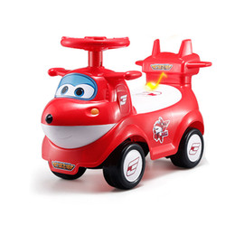 Rueda volando juguete online-Baby Twist Car Four Wheel Walker Genuino Super Flying Puzzle para niños Scooter eléctrico Juguetes para niños