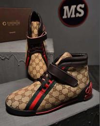 2019 zapatos de diseño de marca bordados tigre blanco abeja zapatos de serpiente de cuero genuino diseñador zapatilla de deporte para hombre vestido ocasional desde fabricantes