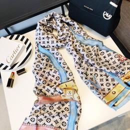 2019 praia de chiffon colorido encerrar 2019 lenços de grife para as mulheres primavera letras da marca lenços longos envoltório com tag tamanho 180x90cm xaile