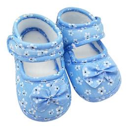 Argentina Bebé infantil Prewalker Niñas pequeñas Bowknot Suave antideslizante Zapatos de cuna Primeros caminantes 0-18 meses Venta caliente Suministro