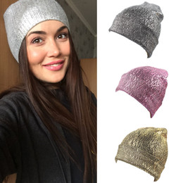 Mujeres Metallic Knit Beanie Unisex Glitter Chunky Trendy brillante Cap Fashion Comfy cálida suave de esquí Skull Party Cuff Hat 10 unids / lote desde fabricantes