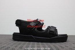 schwarze sport-sandale Rabatt 2019 Männer Frauen Schuhe Sandalen Männer Hausschuhe schwarz Männer Frauen Sport Strand Sandalen Liebhaber Schuhe Casual Mode Sandalen ABC-2