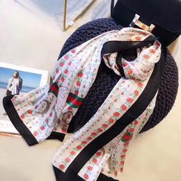 Design de fleurs rouges en Ligne-2019 NOUVEAU foulard en soie chaud pour les femmes printemps été conception européenne rose fleur imprimé vert rouge longues écharpes Wrap avec étiquette 180x90 cm châles