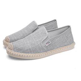 Canada 2019 été lin respirant casual chaussures pour hommes pantoufles à fond souple toile des hommes été loisirs plat pêcheur au volant chaussures de conduite cheap men linen slippers Offre