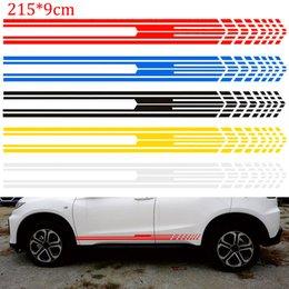 2019 decalque, gráficos, car, caminhão 215x9 cm Corrida Stripe Gráfico Varas Truck Corrida Do Corpo Lado Da Porta Esporte Longo Listra Adesivos Auto Vinyl Decal para Car Styling desconto decalque, gráficos, car, caminhão