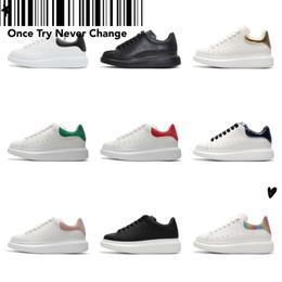 2019 sapatos de couro para homens Top Fashion Tick de sola plana sapatos casuais Young Women Men Couro Velvet Sneakers 3M reflexivo preto branco para altura crescente desconto sapatos de couro para homens