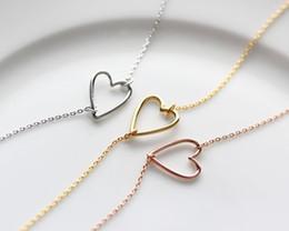 Colgantes de alambre online-1 Nueva línea Tiny line simple corazón hueco colgante en forma de corazón pulsera simple alambre envuelto amor corazón pulsera para amantes de la joyería parejas