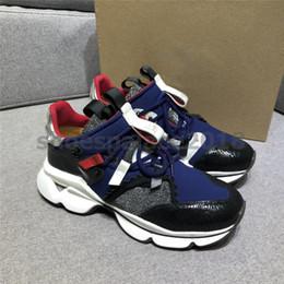 Kutu ile Womens Erkek Casual Ayakkabı Lüks Tasarımcı Spike Kırmızı Alt Sneaker Mesh Patchwork Mat Deri Shoes Erkek zapatos cheap matte box red nereden mat kutu kırmızı tedarikçiler