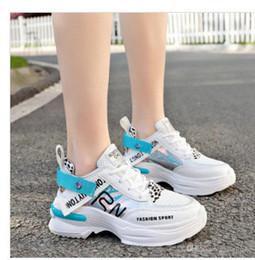 scarpe da ginnastica bianche coreane Sconti Nuovo progettista coreano bianco piattaforma sneakers fondo spesso scarpe casual donna 2019 moda lusso bianco chunky sneakers in pelle cestino femme