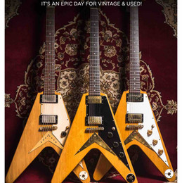 String fly online-Custom Shop Flying V Heritage Natural Korina 1983 Chitarra elettrica Pickguard bianca, Little Pin ABR 1 Bridge (String Thru Body), Hardware dorato