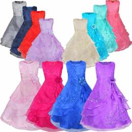2019 cerceau robes de mariée Détail nouvelles robes de filles de fleur avec cerceau à l'intérieur de la fleur brodé parti de mariage demoiselle d'honneur princesse robes formelle vêtements pour enfants promotion cerceau robes de mariée