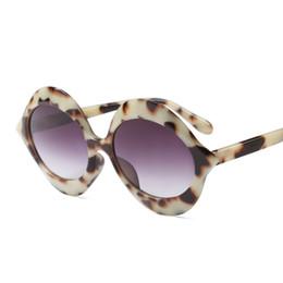 Кошачий глаз в форме очков оптом онлайн-Оптовая 2018 Круглые Солнечные Очки Женщин Cat Eye Shape Eyewear Vintage Fashion Большие Очки Мужчины Солнцезащитные Очки Марка Оттенки óculos