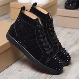 Argentina Marca de moda para hombre zapatos de diseño para mujer de lujo Strass Spikes zapatillas de deporte planas de cuero Nueva Marca para hombre casual zapatos rojos inferiores supplier men red bottoms Suministro