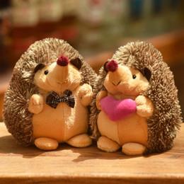 boneca bonito dos ouriços Desconto 15 PCS 18 cm Bonito Encantador Macio Ouriço Animal Boneca de Pelúcia Recheado de Brinquedo de Pelúcia Crianças Crianças Festa de Casamento Casa brinquedos para Crianças presente do Miúdo AIJILE