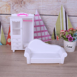 2019 menina miniatura menina Iniature Plastic Toys Set Girl Kids Play House Dollhouse Bedroom Furniture Doll Accessories Pretend Play Toy Miniature Plastic Bedroom ... desconto menina miniatura menina