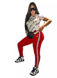 top marche di pants di yoga Sconti Pantaloncini da donna T-shirt Tuta Tute sportive Completi stampati Lettera con coulisse Pantaloni corti Tees Tops Tuta da due pezzi