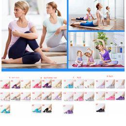 Meio slips para mulheres on-line-Mulheres Sports colorida da ioga Meias de Fitness Pilates Cotton Socks arco-íris Workout Anti Slip completa Meia Toe Socks ginásio respirável FFA3020 meia