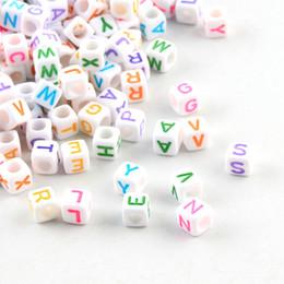 Jóias feitas contas quadradas on-line-Cheap Beads 200Pcs / lot multicolour 6 milímetros letra do alfabeto Praça Acrílico Spacer Beads Para fazer jóias Chupeta Clipe Colar DIY