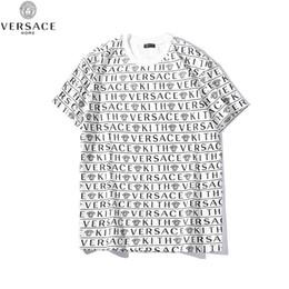 impresiones de paneles múltiples Rebajas Camiseta de diseñador para hombre Camiseta Medusa Estampado multilínea Frente y parte posterior Letras Camisa suelta