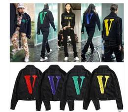 Argentina Vlone FRIENDS jacket Nuevo estilo TOP Classic red V LOGO Big Printing Pop Mujer Hombre chaqueta jean Hip hop Skateboard Marca 6 colores cheap new colors jeans men Suministro