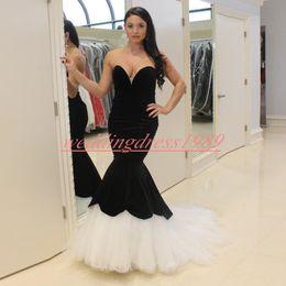 robes de velours blanc Promotion À la mode noir blanc velours sirène robes de soirée sweetheart africaine occasion spéciale robe de bal partie formelle, plus la taille Pageant robes pas cher