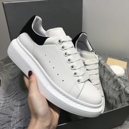 2019 lazer dos homens Homens Mulheres Plataforma de Lazer Sapato de moda de luxo designer de sapatos femininos de Couro Louisfalt Spikes Sapatos Casuais Sapatos de Grife de Alta Qualidade lazer dos homens barato
