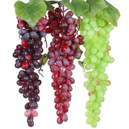 Decoraciones de fiesta de uva online-Tacto verdadero artificial uvas de frutas de plástico Frutas hojas falsos simulación de uva cadena del partido del jardín decoración de la boda