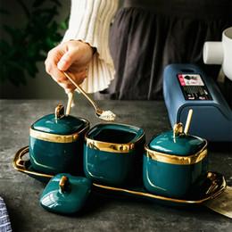 2019 illuminazione smeraldo Northern European luce lusso Emerald lattine di zucchero di ceramica sale MSG Jar Jar, aromi e spezie, aromi e spezie di sicurezza Quattro-parte delle famiglie Set SH190925 illuminazione smeraldo economici