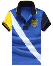 2019 polo sport blue Compras Estilo americano Hombres Polos casuales Camisa polo deportiva clásica de manga corta delgada para niños Nueva camiseta azul roja polo sport blue baratos