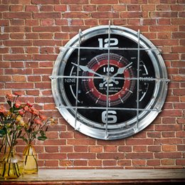 Садовый вентилятор онлайн-DAVEVY Stand Clock Iron Fan Shape Clock Table Big Time Art Creative European Vintage Garden Decoration