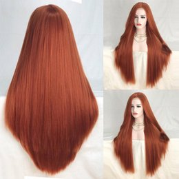 Pelo cobrizo rojo online-26 pulgadas de largo recto de cobre rojo sintético peluca delantera de encaje pelucas de pelo de alta temperatura para mujeres de moda parte media