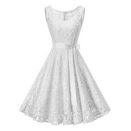 c21e3abeb12 Vintage blanc floral dentelle tunique robe femmes sans manches col v  élégante partie robes sexy robe été rétro des années 50 Big Swing Dress  Y19012201