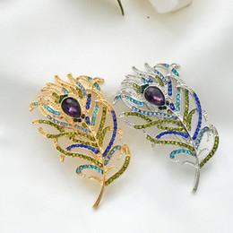 2019 designers de vestidos de casamento china Retro Peacock Feather Jóia Cristal Pin Proteção Ambiental Strass Broche Pano Saco Chapéu Acessório Presente para As Mulheres Homens