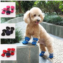 botas para cães Desconto Outono inverno quente cão sapatos para caminhada wearable dog boots rainshoes com solas antiderrapantes ajustar elástico string cão vestuário pet suprimentos