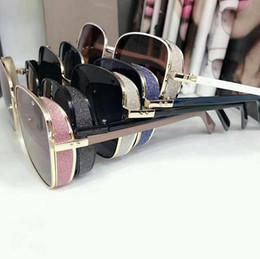 SıCAK Yeni Lüks tasarımcı kadın Güneş Gözlüğü büyüleyici Kedi göz Pentagram gözlük metal flaş boncuk tasarım galsses 100% UV400 koruma supplier flashing beads nereden yanıp sönen boncuklar tedarikçiler