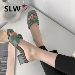 2019 квадратные носки Slides Shoes Women's Slippers 2019 Butterfly-knot Square Toe Fenty Beauty Med Low Sliders New Flat Summer  Cross-tied PU дешево квадратные носки