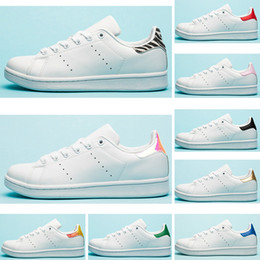 sapatos lisos verdes para mulher Desconto Designer de Smith Flat Calçados Casuais Triplo Branco Preto Rosa Verde Prata Homens De Ouro Stan Das Mulheres Tênis Esportivos 36-45