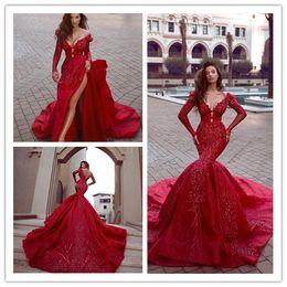 Vestidos de recepcion de boda baratos rojos online-Sexy Rojo Satén India Sirena Recepción Gótica Vestidos de novia de manga larga Barato con cuentas musulmanes más el tamaño de vestidos de novia 2019