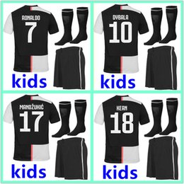 Juegos de kit de fútbol online-2019 2020 Juventus camiseta de fútbol kit Niños 19 20 Personalizado Ronaldo DYBALA DE LIGT MANDZUKIC juventus camisetas de fútbol kids kits de fútbol 2018 19