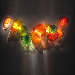 декоративные стеклянные пластины искусство Скидка Домашнее Декоративное Муранское Стекло Цветочное Ремесленное Искусство Стены Искусства Гребешка Края Форма Стиль Выдувные Муранского Цветка Стеклянные Тарелки Стены Искусства