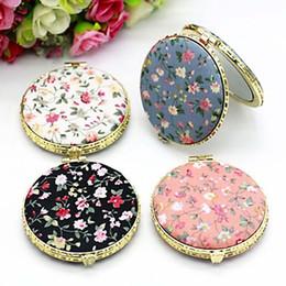 Косметика в стиле винтажа онлайн-1Pc Mini Round Folding  Mirror Vintage Double Sides Floral Printed Chinese Style Compact Cosmetic Tool Portable