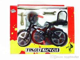 Canada modèle d'assemblage vélo jouets enfants puzzle modèle ornements m montagne vélo de montagne SUV cadeau ornements pendentif en gros cheap assembly toys Offre