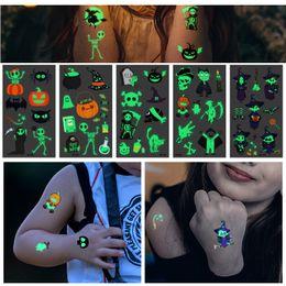 2019 halloween adesivo del tatuaggio Tatuaggi luminosi per body art per il giorno di Halloween Incandescente nel buio Adesivi per tatuaggi temporanei con teschio di vernice halloween adesivo del tatuaggio economici